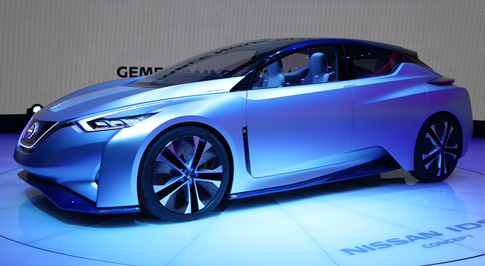 Nissan reveals driverless concept car at Geneva
