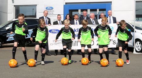 Hamilton dealership renews commitment to football juniors