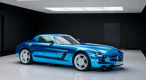 Mercedes-Benz Plans Fleet of Electric Vehicles