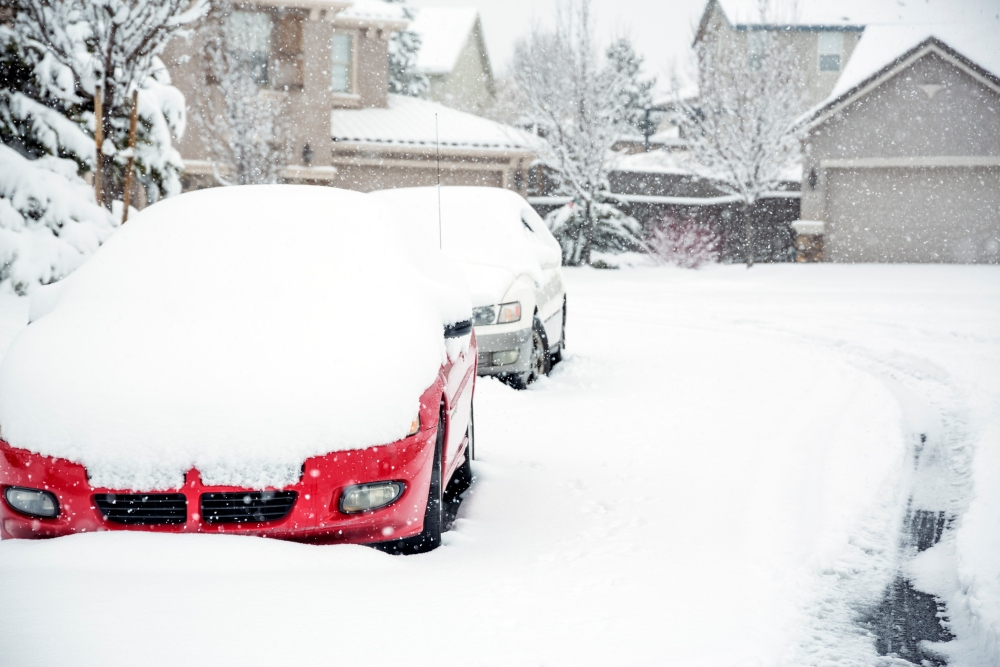 10 Things You Should Keep in Your Car This Winter