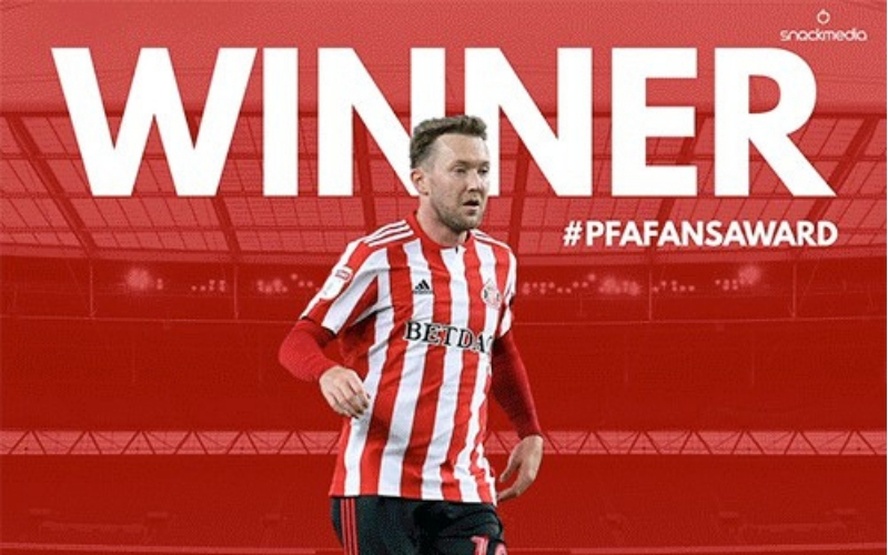 Sunderland's Aiden McGeady Wins League One Award