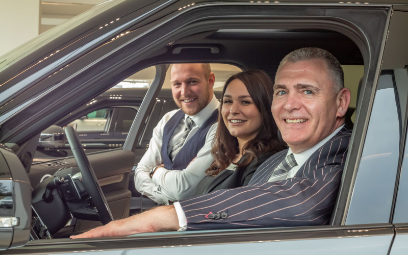 Farnell Land Rover Guiseley Unveils New Look