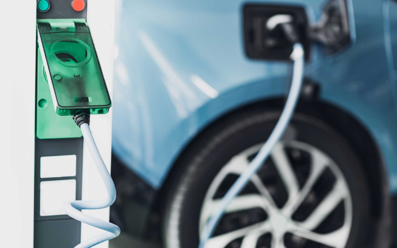 How Do Electric Vehicle Batteries Work?