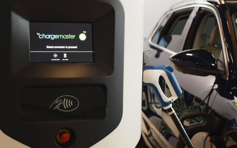 Contactless Payment To Be Available At Electric Car Charging Points By 2020
