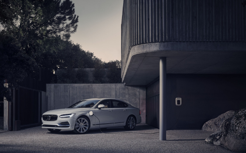 Volvo Offers Free Electricity With Every New Plug-in Hybrid