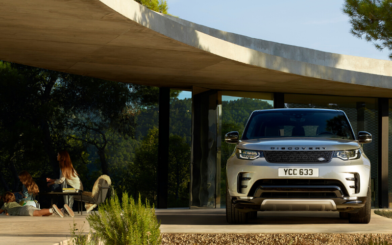 Discover Why The Land Rover Discovery Makes A Perfect Family Car