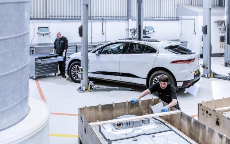 Jaguar Land Rover Trials Innovative Plastic Recycling Technology