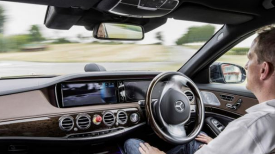 The Mercedes-Benz S-Class Could Be The First Car To Offer Hands-Free UK Driving