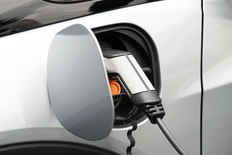 Our 5 Reasons To Go Electric