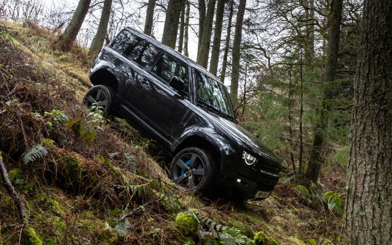 Defender Crowned 'Large Crossover SUV Of The Year' At UK Car Of The Year Awards