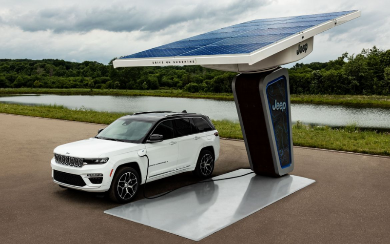 Jeep Reveals First Image Of All-New 2022 Electrified Grand Cherokee 4xe