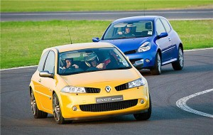 Renault issues free tickets to 'thrilling' weekend action at Silverstone