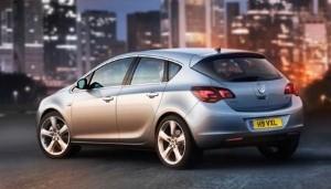 Undisguised Vauxhall Astra VXR spied