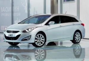Hyundai i40 celebrates birthday with industry award
