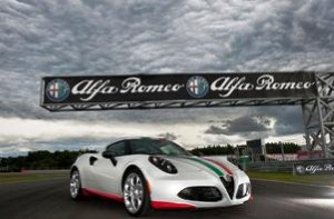 New Alfa Romeo 4C takes to the racetrack again