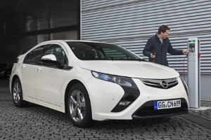New Vauxhall Ampera gets electric