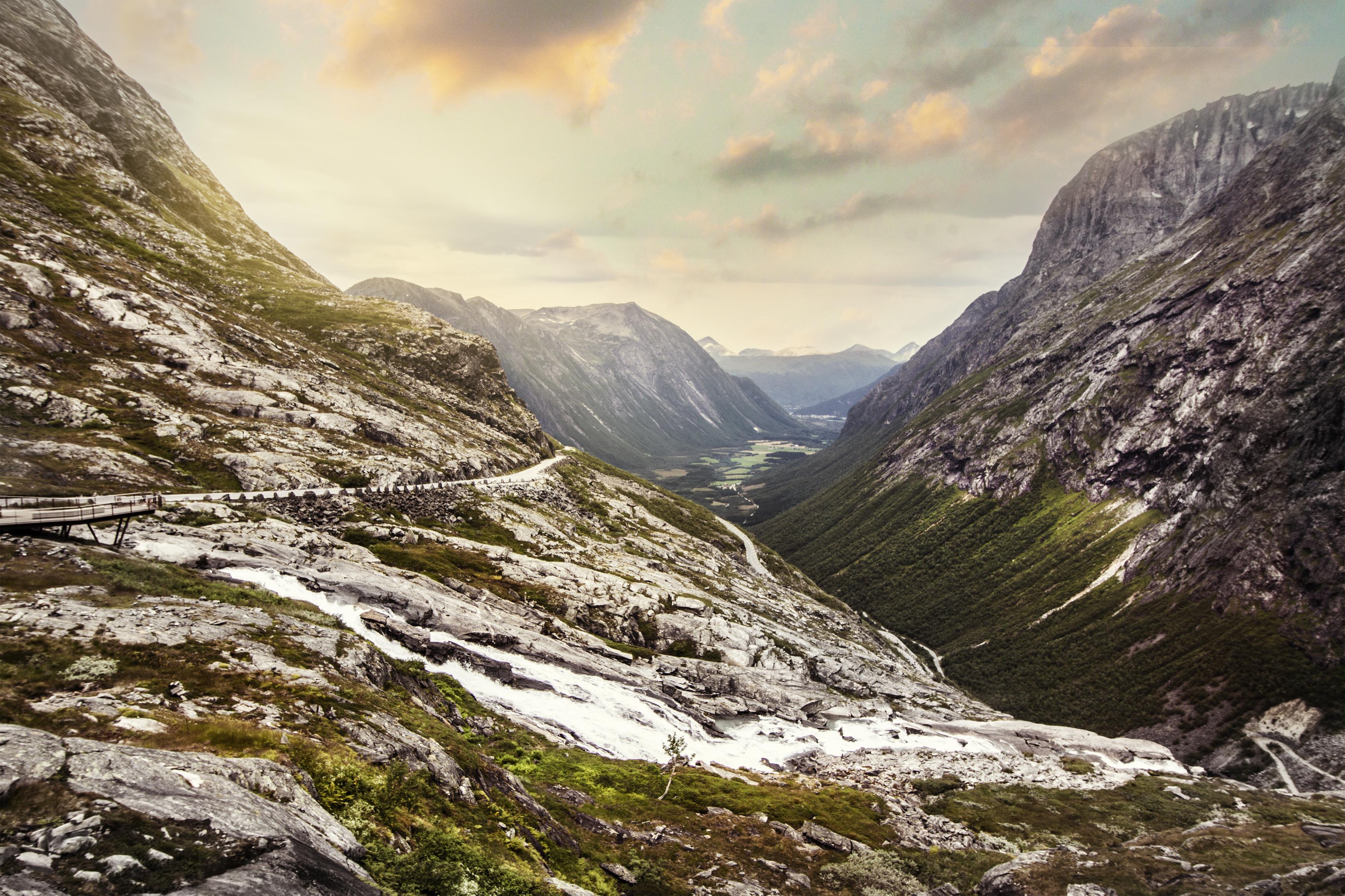 Top 6 Most Amazing Roads