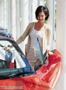 'New car market rose in April'