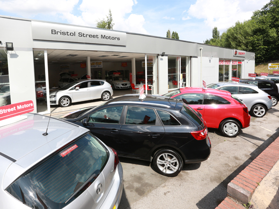 Garages That Buy Cars For Cash In West Midlands