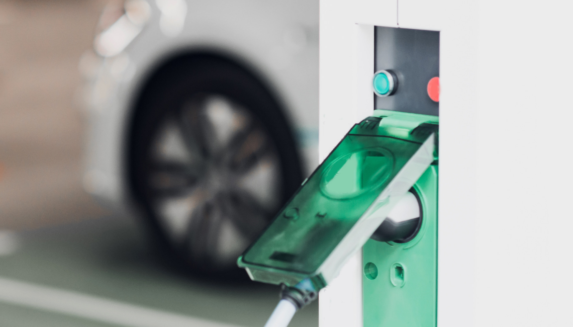 Choosing a Public Charging Network For Your EV