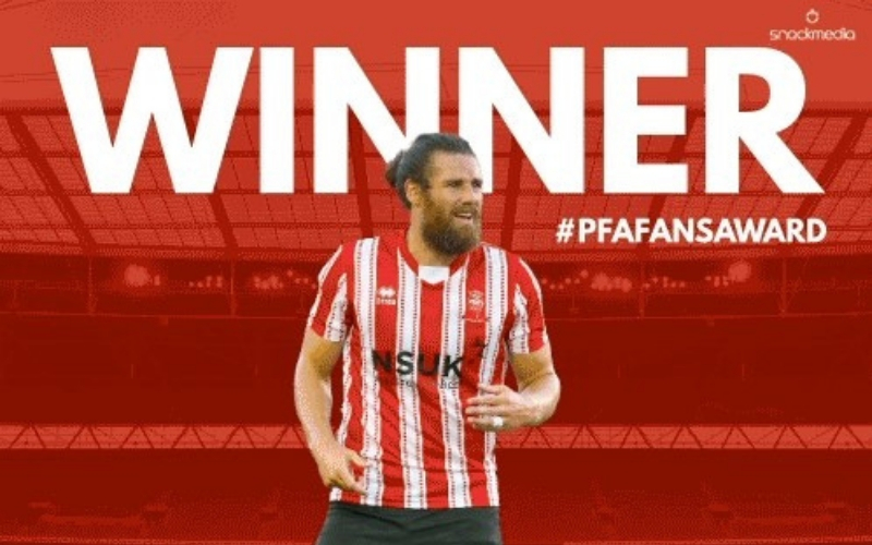 Lincoln City's Michael Bostwick Wins League Two PFA BSM Fans' Player
