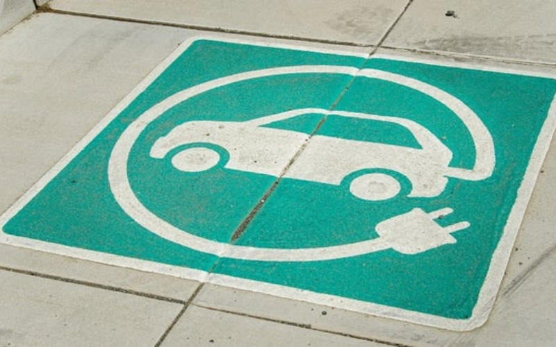 Wireless Charging To Be Trialled On UK Streets