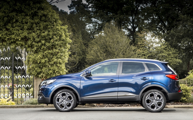 Renault Kadjar is Named Best Mid-Sized SUV in Auto Express Used Car Awards