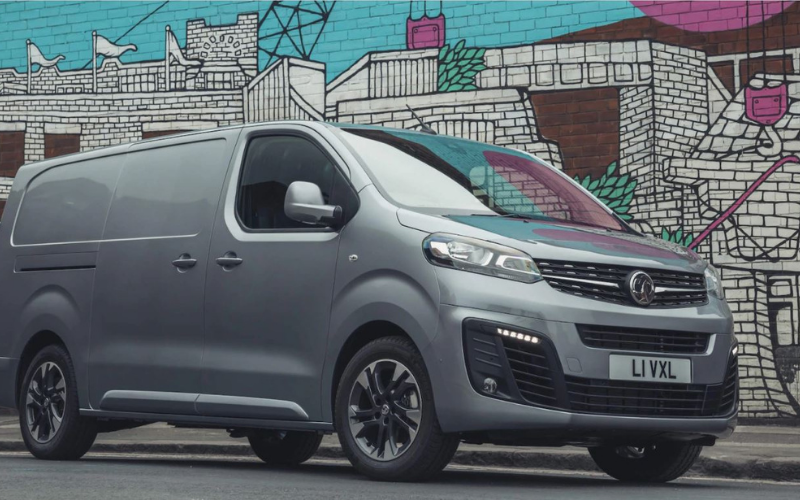 Vauxhall Vivaro-E and Combo Cargo Take the Limelight at What Van? 2021 Awards