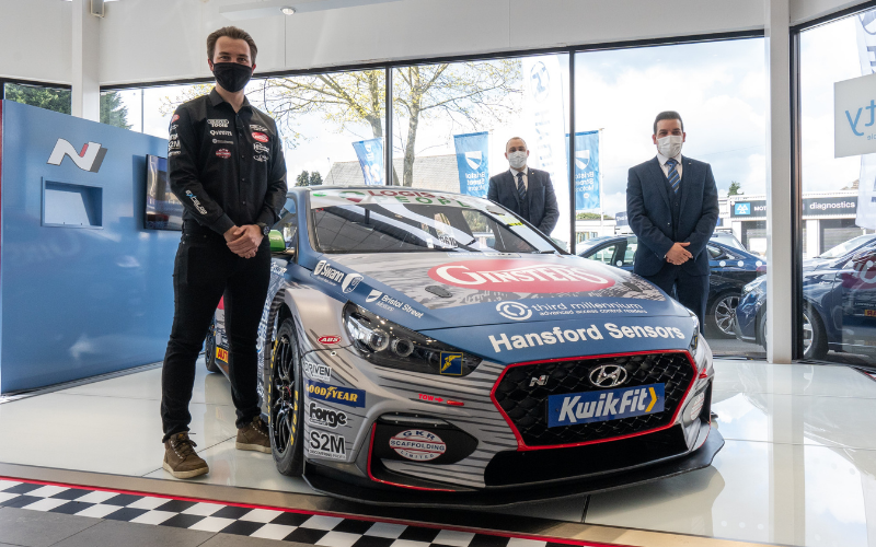 Bristol Street Motors Nottingham Hyundai Revs Up With Race Driver Sponsorship