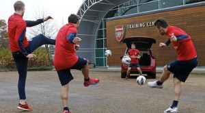 Arsenal stars put Citroen Grand C4 Picasso through its paces