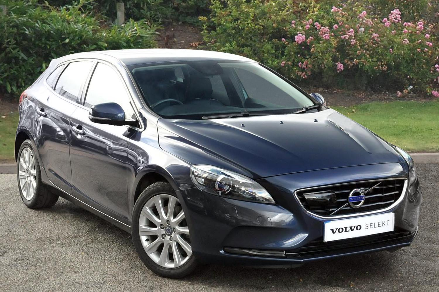 used volvo v40 d3 se lux nav 5dr geartronic diesel. Black Bedroom Furniture Sets. Home Design Ideas