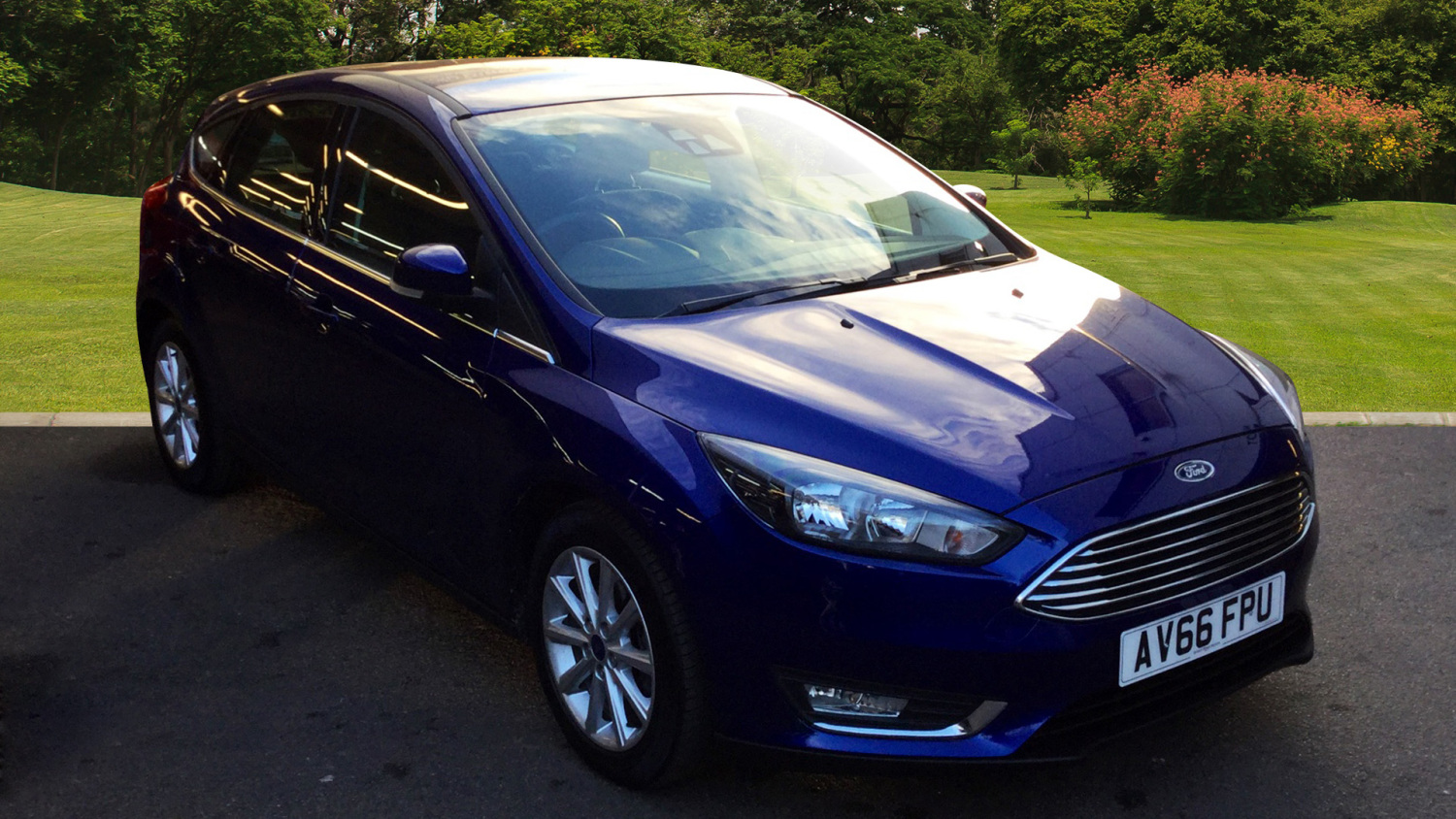 used ford focus 1 0 ecoboost titanium 5dr petrol hatchback. Black Bedroom Furniture Sets. Home Design Ideas