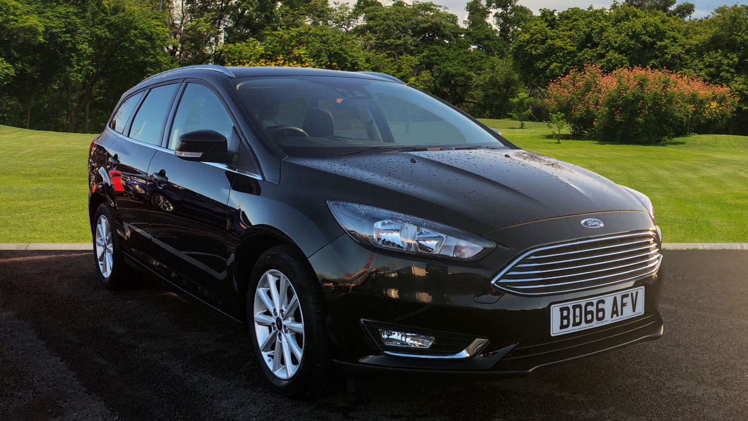 used ford focus 1 0 ecoboost 125 titanium 5dr auto petrol estate for sale bristol street motors. Black Bedroom Furniture Sets. Home Design Ideas