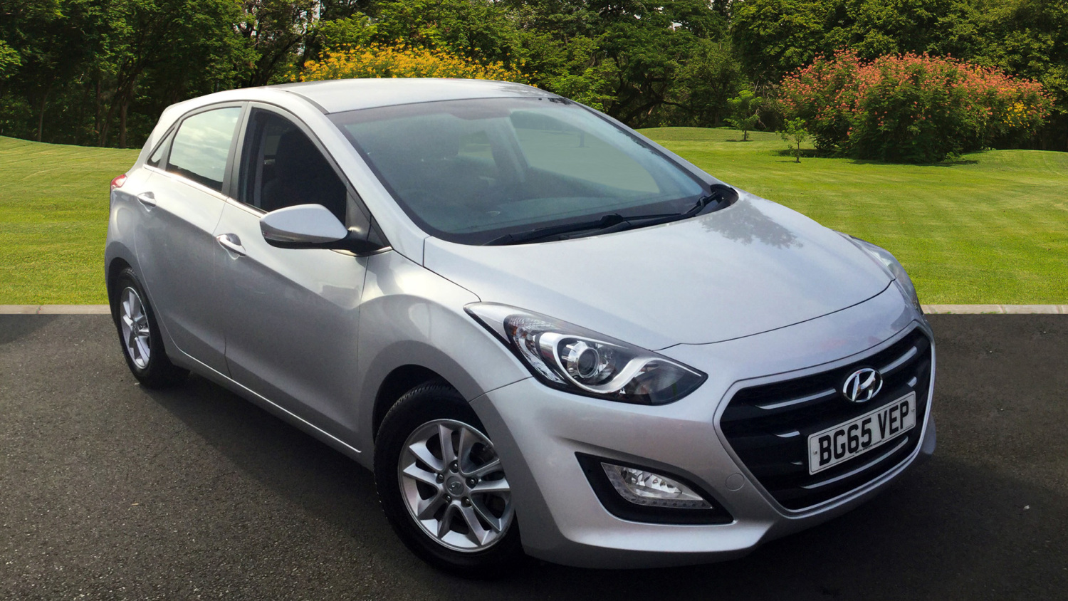 used hyundai i30 1 6 crdi blue drive se nav 5dr diesel hatchback for sale bristol street motors. Black Bedroom Furniture Sets. Home Design Ideas