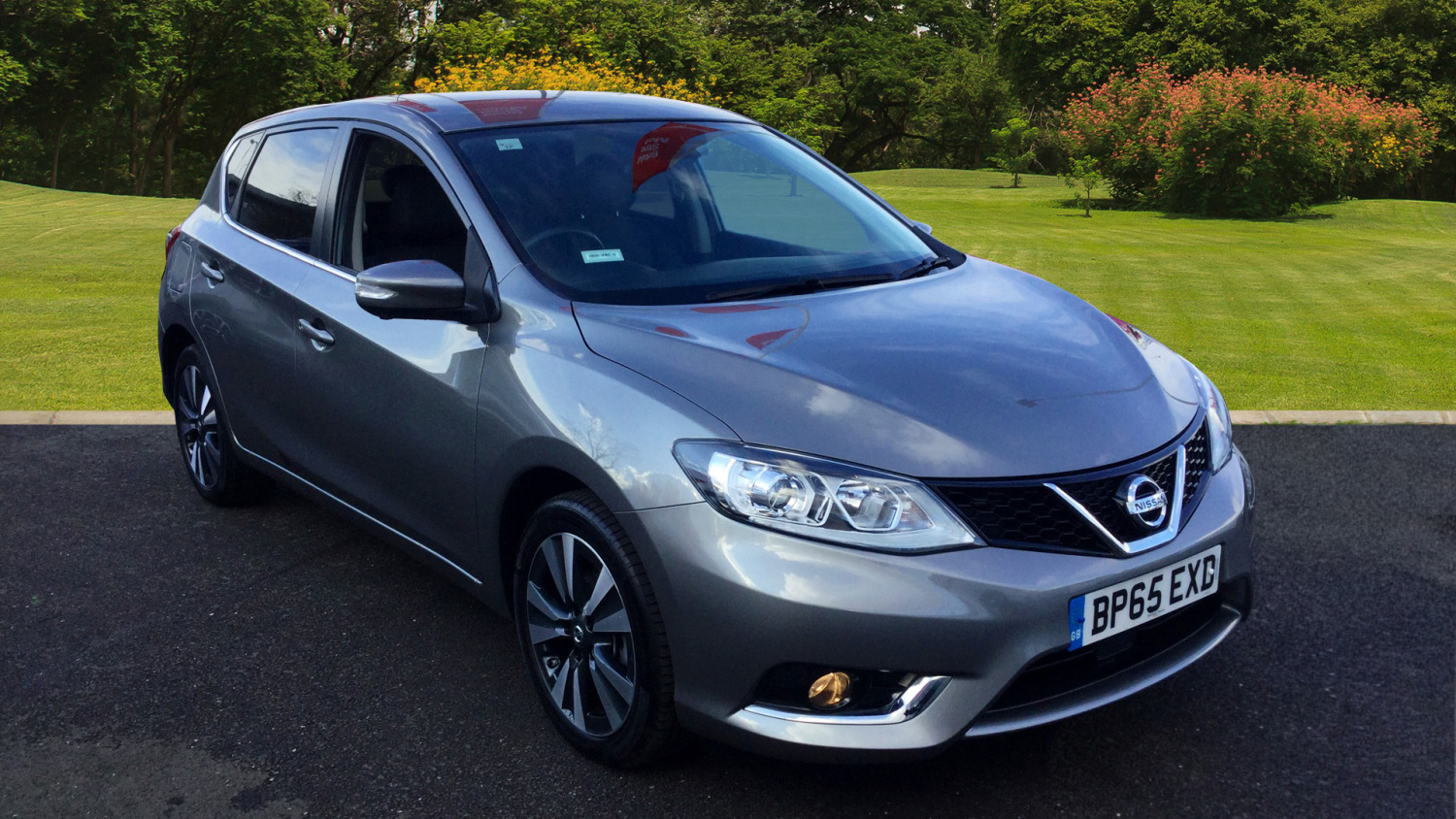 used nissan pulsar 1 2 dig t tekna 5dr petrol hatchback for sale bristol street motors. Black Bedroom Furniture Sets. Home Design Ideas