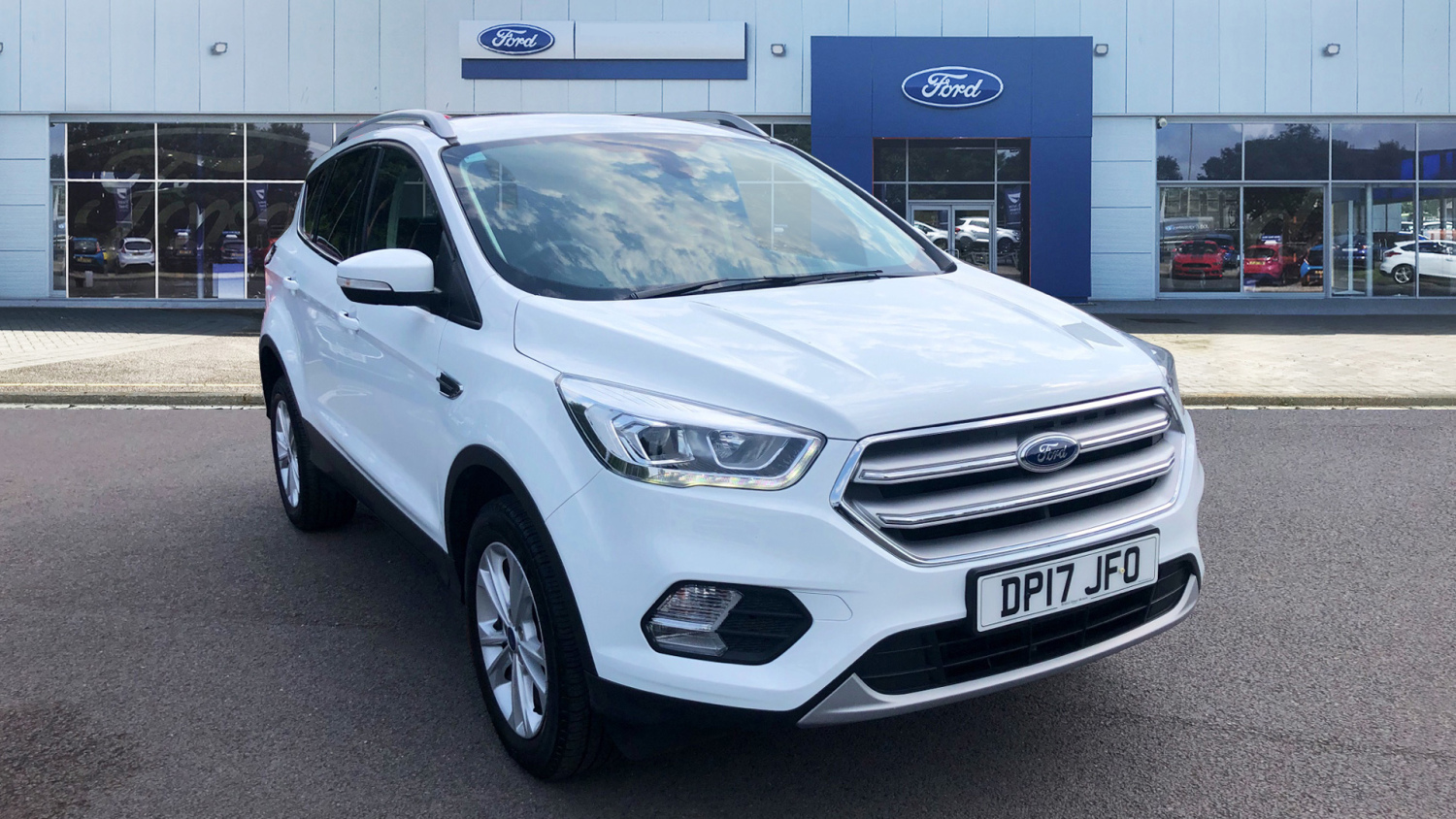 used ford kuga 1 5 tdci titanium 5dr 2wd diesel estate for sale bristol street motors. Black Bedroom Furniture Sets. Home Design Ideas