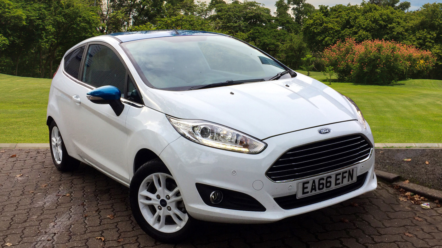 used ford fiesta 82 zetec white 3dr petrol hatchback. Black Bedroom Furniture Sets. Home Design Ideas