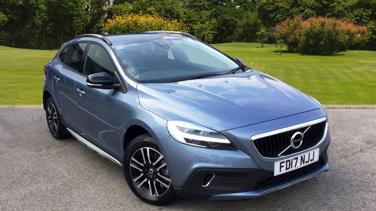 used volvo v40 d2 120 cross country 5dr diesel hatchback for sale bristol street motors. Black Bedroom Furniture Sets. Home Design Ideas