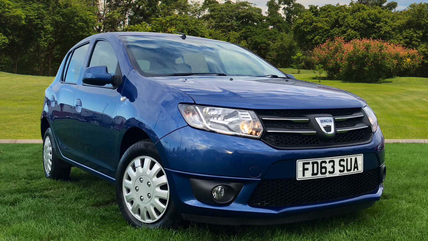 used dacia sandero 1 2 16v laureate 5dr petrol hatchback for sale bristol street motors. Black Bedroom Furniture Sets. Home Design Ideas