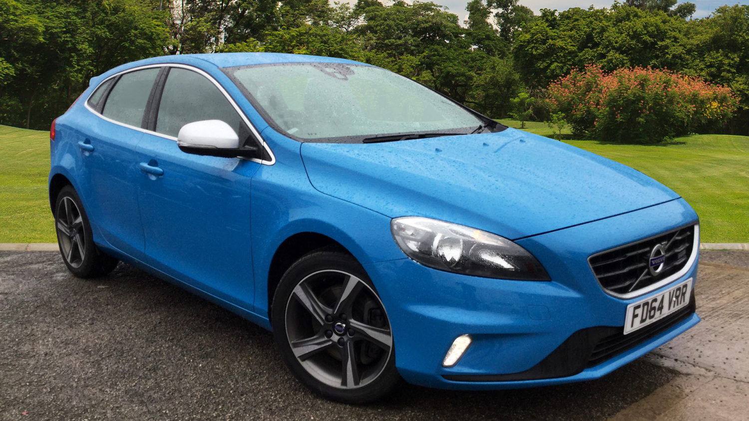 used volvo v40 d4 190 r design 5dr diesel hatchback for. Black Bedroom Furniture Sets. Home Design Ideas