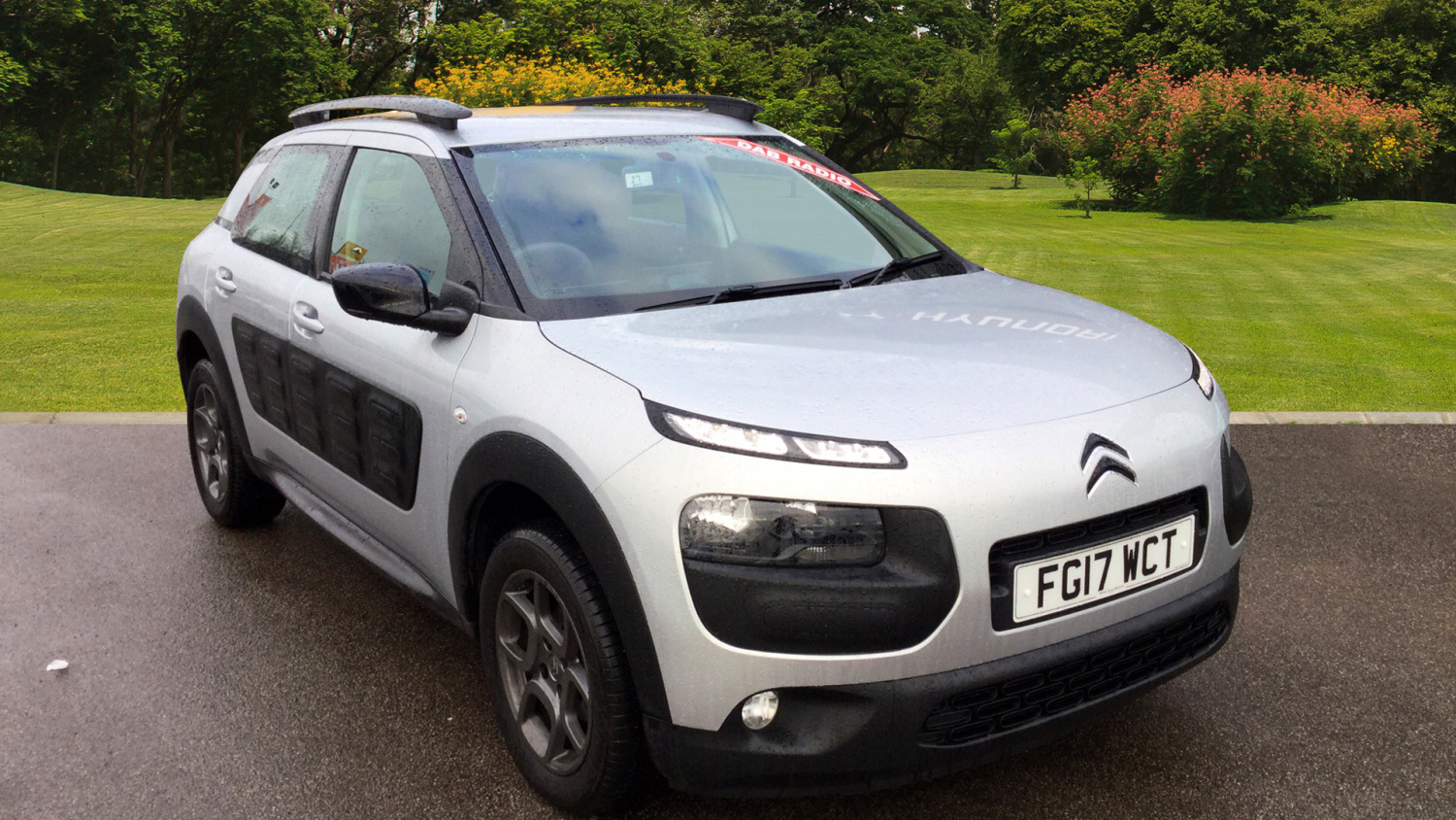 used citroen c4 cactus 1 2 puretech 82 feel 5dr petrol. Black Bedroom Furniture Sets. Home Design Ideas