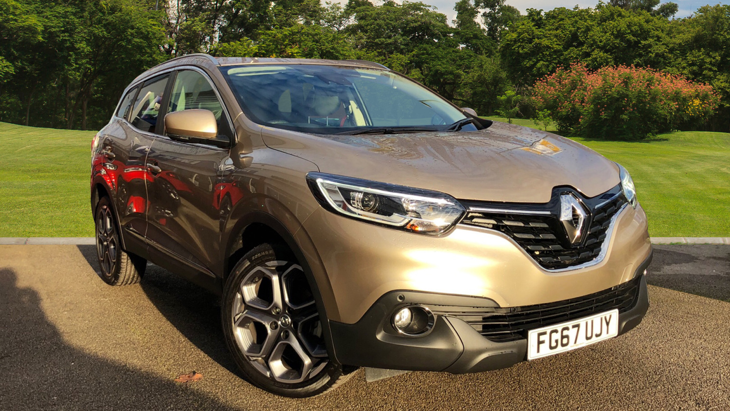 used renault kadjar 1 6 tce 165 dynamique s nav 5dr petrol hatchback for sale bristol street. Black Bedroom Furniture Sets. Home Design Ideas