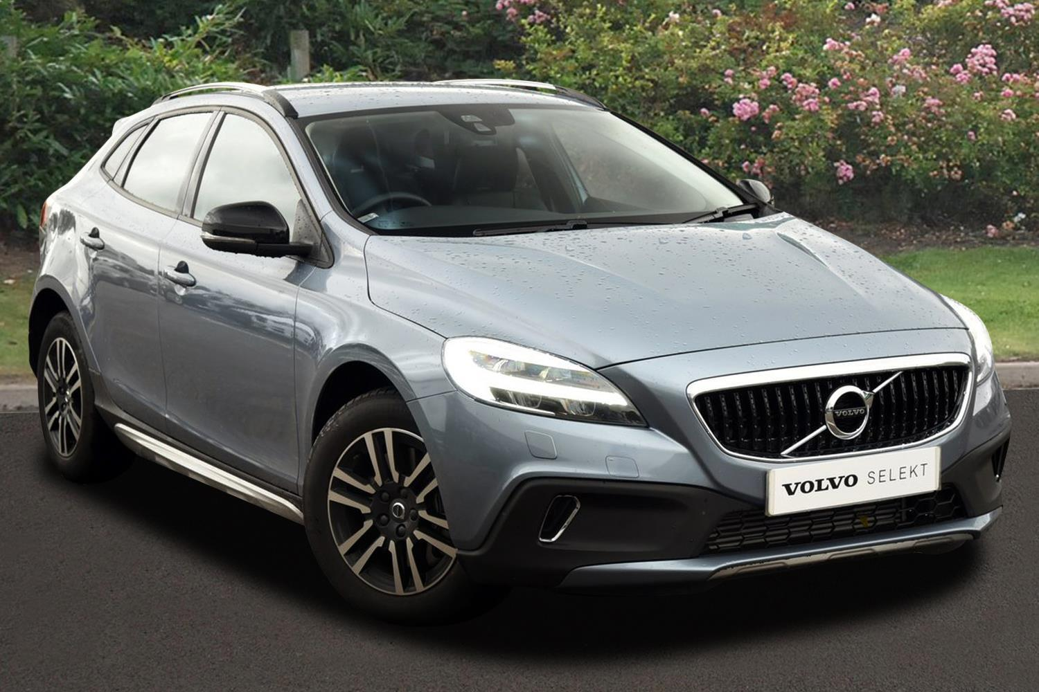 used volvo v40 t3 152 cross country nav plus 5dr. Black Bedroom Furniture Sets. Home Design Ideas