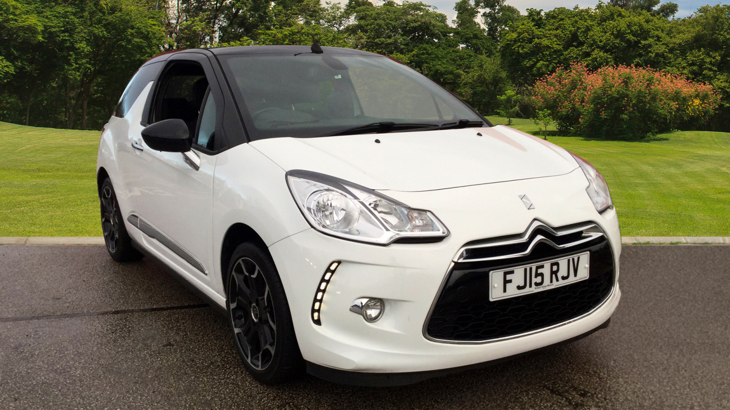 used citroen ds3 1 2 puretech 110 dstyle plus 2dr petrol cabriolet for sale bristol street motors. Black Bedroom Furniture Sets. Home Design Ideas