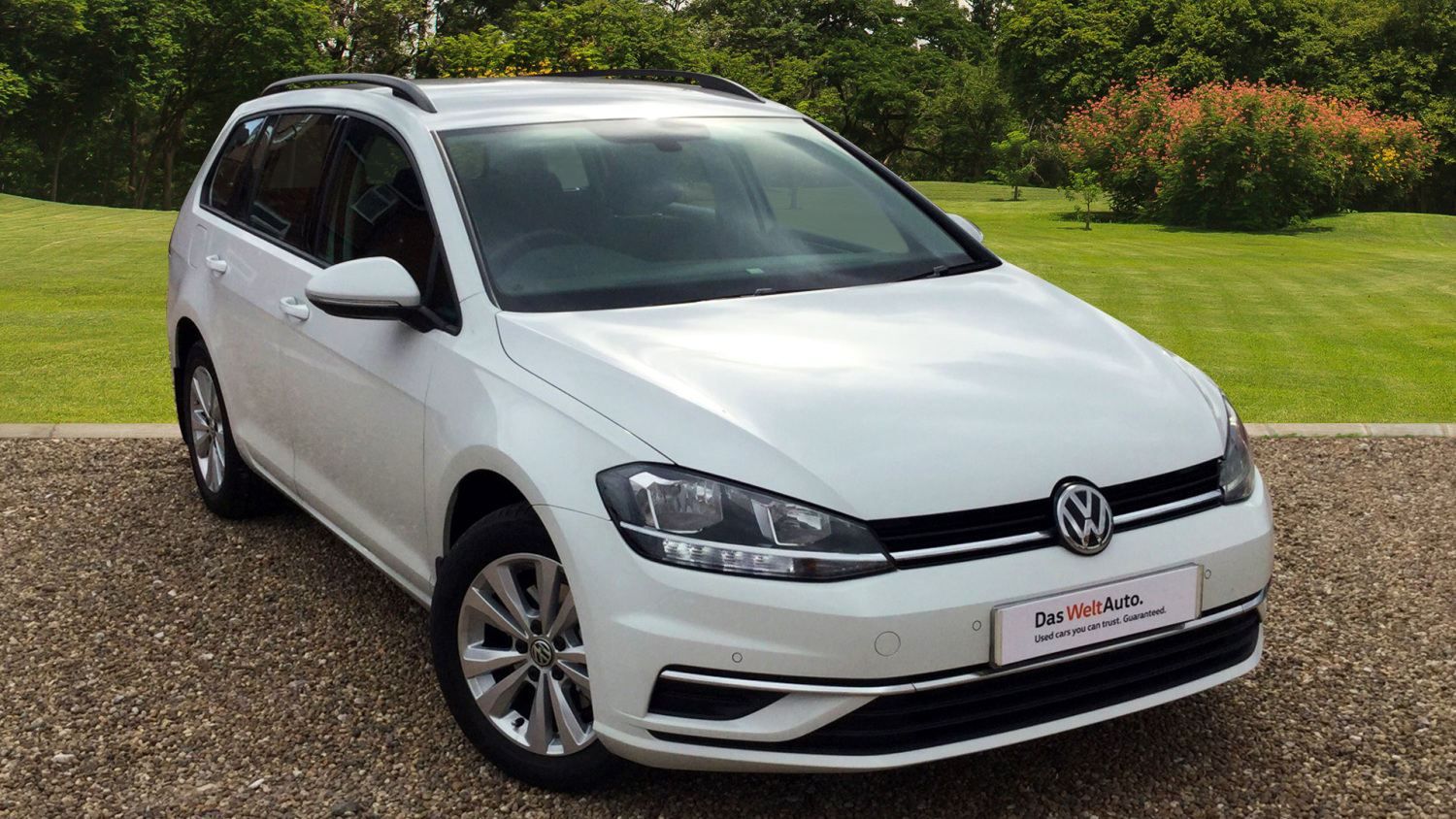 used volkswagen golf 1 6 tdi se 5dr nav diesel estate for sale bristol street motors. Black Bedroom Furniture Sets. Home Design Ideas