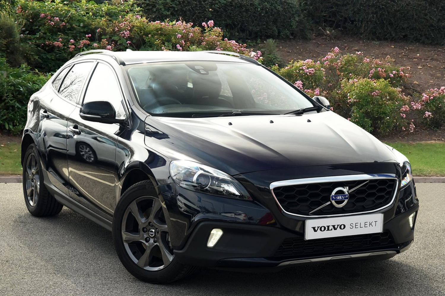 used volvo v40 d3 4 cyl 150 cross country lux nav 5dr diesel hatchback for sale bristol. Black Bedroom Furniture Sets. Home Design Ideas