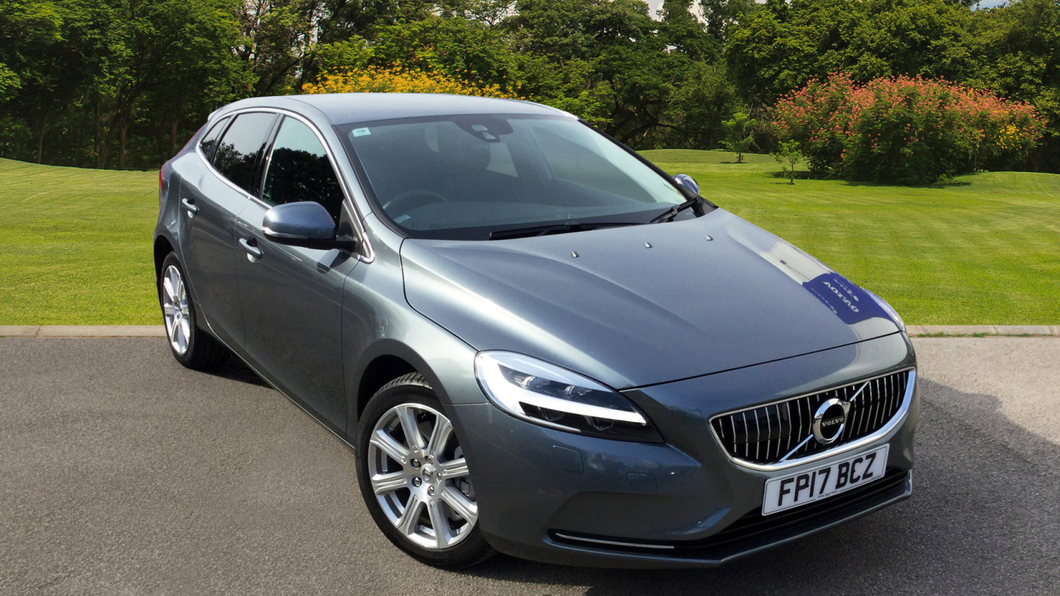 used volvo v40 d2 120 inscription 5dr geartronic diesel. Black Bedroom Furniture Sets. Home Design Ideas
