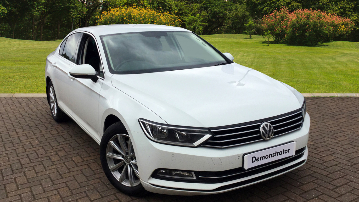 used volkswagen passat 2 0 tdi se business 4dr diesel saloon for sale bristol street motors. Black Bedroom Furniture Sets. Home Design Ideas