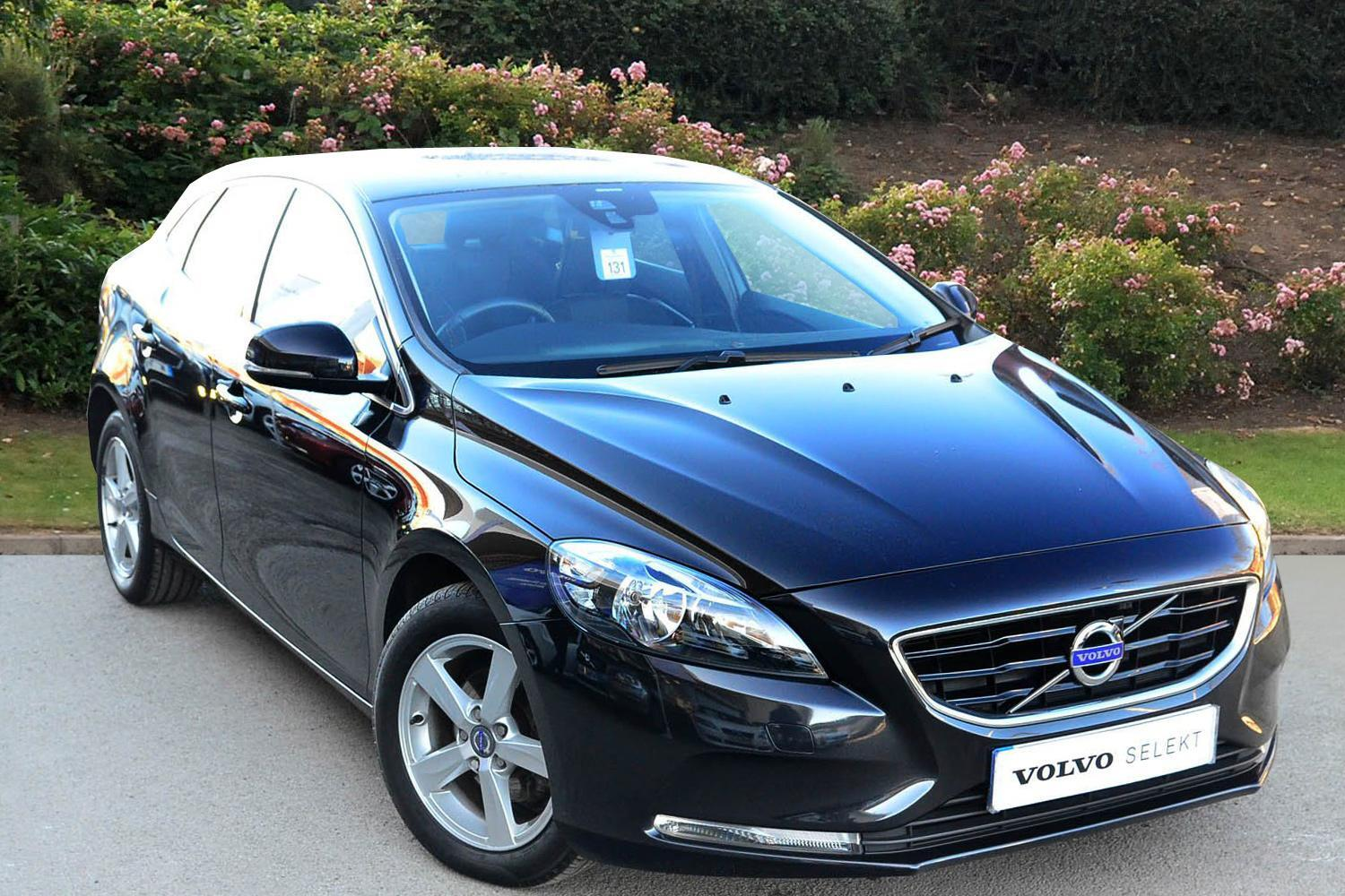 used volvo v40 d2 se 5dr diesel hatchback for sale. Black Bedroom Furniture Sets. Home Design Ideas
