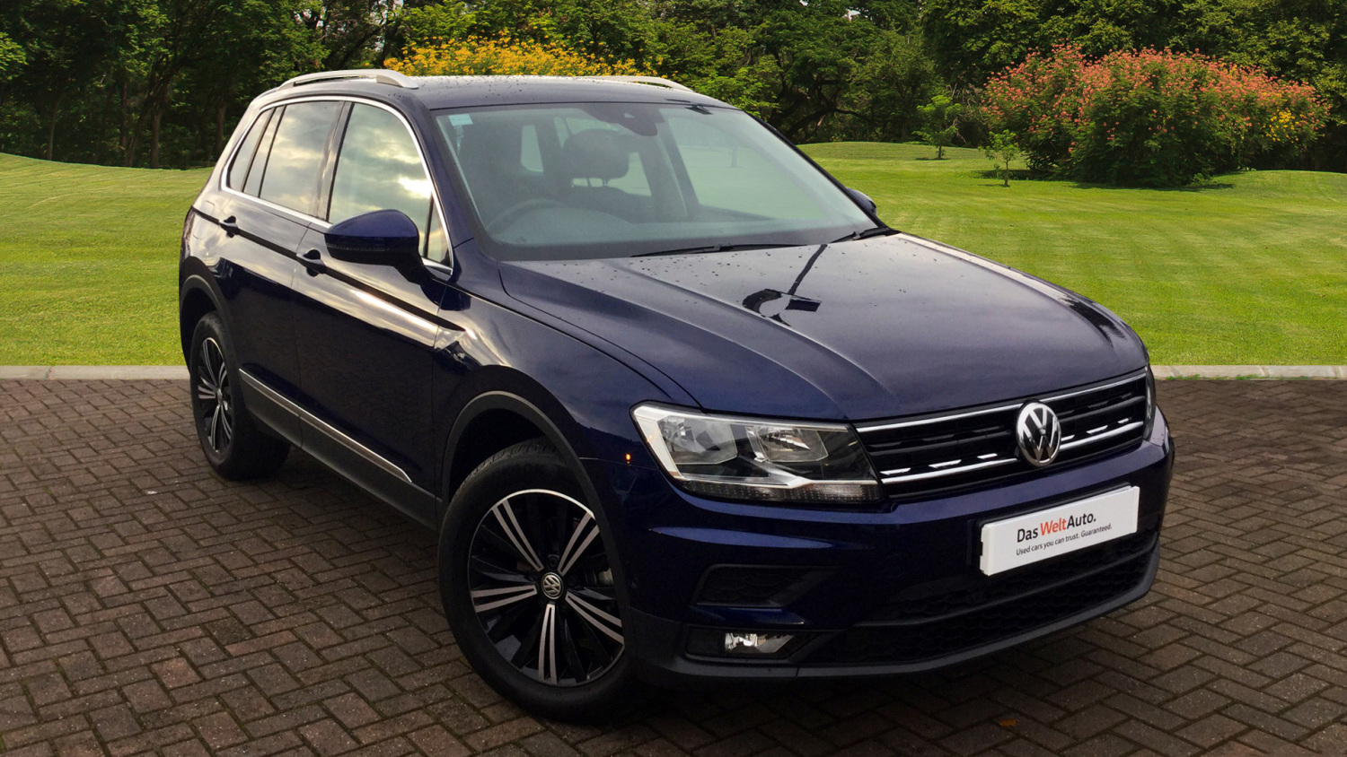 used volkswagen tiguan 2 0 tdi bmt 150 4motion se nav 5dr. Black Bedroom Furniture Sets. Home Design Ideas